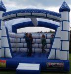 Fotografie 1. Nafukovací skákací hrad Ledové království