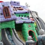 Fotografie 10. Velký skákací hrad se skluzavkou STRAŠIDELNÝ DŮM – extra maxi XXXL